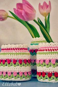 Vrolijke voorjaarspotjes gemaakt door Ellebel! #freepattern #gratispatroon
