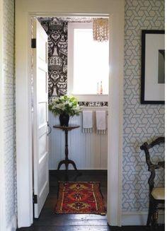 canovas trellis into clarence house vase. wallpaper game: STRONG.