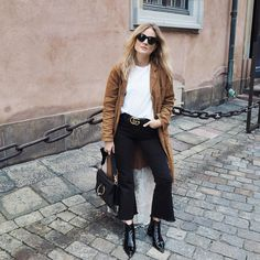 INSPO // Mega babe blogger Lucy Williams wearing kick flares = perfection.