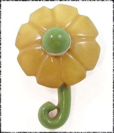 Vintage Celluloid Realistic Flower Button