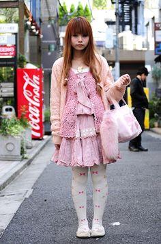Mori Girls and Harajuku Girls in #Crochet - Love the pink cuteness!