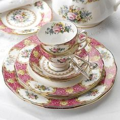 Royal Albert Lady Carlyle China... It was love at first sight for Chantelle! ♥