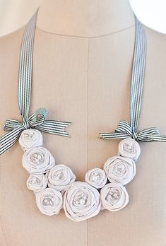 I love this! Must do with my silk fabric and pretty ribbon!