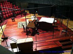 """무대디자인 정승호 선생님 2012년 6월 27일부터 8월 13일까지 예술의 전당 자유소극장에서 공연되었던 연극 """"THE LOVER""""의 무대제작과정을 담은 사진입니다."""