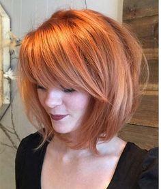 Bakır seksi saç rengidir.Bu hacimli, uzun bob saç bir tarak ve fön makinası ile elde edilebilir.Bu saç ile sıcak ve çekici bakabilirsiniz.