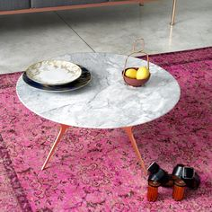 A sustainable designed bistrot table: Trimundo is made entirely of recyclable materials, of extremely low environmental impact. Portland Library, Modern Furniture Stores, Modern City, Italian Furniture, Paint Finishes, Hospitality, Modern Decor, Make It Simple, Classic Style