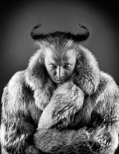 Man this is one interesting pic Vincent Cassel, Mens Fur, Provocateur, Man Images, Actors & Actresses, Cinema, Black And White, Pictures, Photography