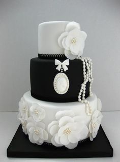 Amazing Black And White Wedding Cake
