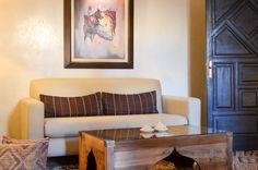 Chambre du Riad Fés. Riad Fes, Le Riad, Entryway Bench, House, Furniture, Home Decor, Morocco, Bedroom, Entry Bench