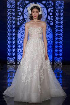 Reem Acra Bridal Fall 2016 Collection Photos - Vogue