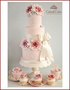 Свадебный торт в стиле Шебби - Шик