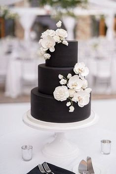black wedding cakes A Summertime Black and White Wedding in Park City Black And White Wedding Cake, Black Wedding Cakes, Floral Wedding Cakes, Elegant Wedding Cakes, Floral Cake, Beautiful Wedding Cakes, Wedding Cake Designs, Black Wedding Decor, Orchid Wedding Cake