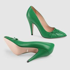Gucci Leather pump - new shamrock green leather pumps Pointed Toe Pumps, High Heel Pumps, Pump Shoes, Womens High Heels, Womens Flats, Green Shoes Women, Green High Heels, Green Pumps, Gladiator Heels