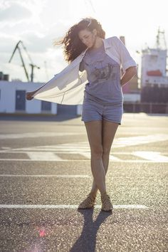 Port landscape, romantic headband, shirt and shorts