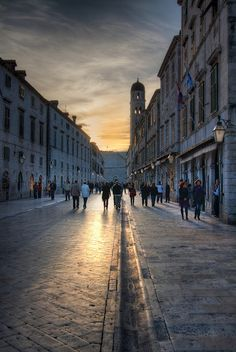 Stradun, Dubrovnik's main street - © 2012 Marko Hankkila - Creative Commons (CC BY-NC-ND 3.0)