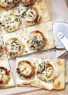 Flammkuchen mit Ziegenkäse, Honig & Rosmarin, in 15 Minuten, www.ohhhmhhh.de