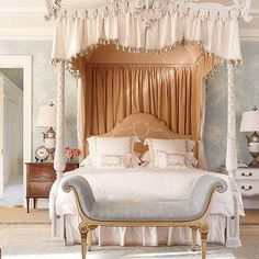 How to use floral accents to create a dreamy bedroom
