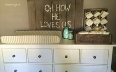 rustic gender neutral nursery - loveinamasonjar.com