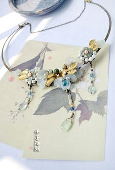 Artistic necklace handmade for classic and sophisticated looks.