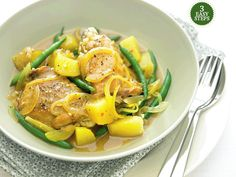One-pot moroccan chicken recipe : SBS Food Popular Recipes, New Recipes, Cooking Recipes, Morrocan Food, Sbs Food, Moroccan Chicken, Middle Eastern Recipes, Casserole Dishes, Chicken Recipes