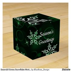Emerald Green Snowflake Motif Cube Favor Box Holiday Parties, Holiday Cards, Christmas Cards, Christmas Favors, Christmas Card Holders, Favor Boxes, Emerald Green, Snowflakes, Card Stock
