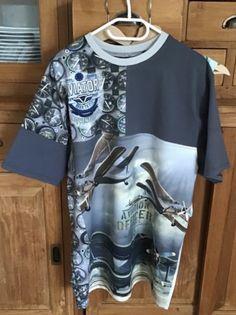 Wall, Mens Tops, T Shirt, Fashion, Supreme T Shirt, Moda, Tee Shirt, Fashion Styles, Walls