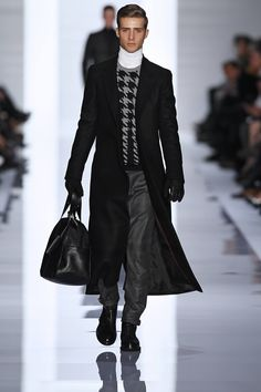 This Look is a Little 'Hip Modern Priest', Just Replace the White Turtleneck for Black, and its Quite Handsome. Hugo by Hugo Boss Leather Fashion, Leather Men, Mens Fashion, Leather Trousers, Milan Fashion, Mode Masculine, Man's Overcoat, Hugo Boss Man, Mens Fall