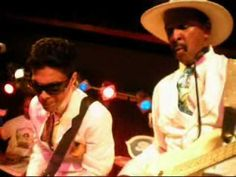 ▶ PRINCE'S SURPRISE VISIT AT THE LARRY GRAHAM SHOW THE OTHER NIGHT (06-16-10) - YouTube