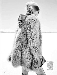 Vogue Spain October 2012 #Fasion #Fur #Futuristic http://trendhunter.com