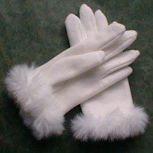 純白の手袋