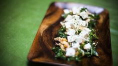 No-Cook Week: Love kale? Top the fresh greens with spicy-sweet tofu