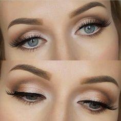 maquillage paupiere en beige doré pour yeux bleus
