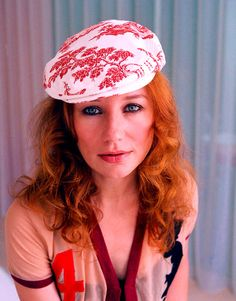 They say the girl lost her sway that day. Tori Amos Sister Named Desire . / photo from / Tori Amos, Beautiful Redhead, Beautiful Soul, Silly Pictures, Neil Gaiman, Alternative Music, Her Music, Latest Music, Losing Her