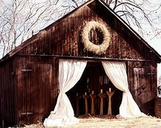 love this barn look for a wedding!