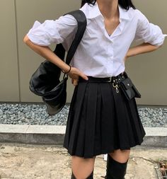 Preppy Outfits For School, School Girl Outfit, Girl Outfits, Fashion Outfits, Fashion Trends, Pretty Outfits, Cute Outfits, Pretty Clothes, Private School Girl