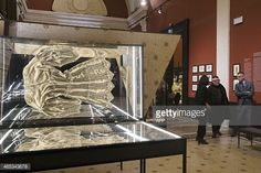465343678-people-visit-the-exhibition-devoted-to-gettyimages.jpg 594×396 pixels