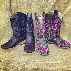 Boys / girls kids Roper boots, distressed brown leather, floral embroidery. Visit www.facebook.com/chickelms or call 254-968-3920