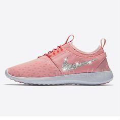 buy online e3938 b1306 Soldes Chaussures Sport Custom Bling Femmes Nike Juvenate Sheen, Bright  Melon, Blanc Swarovski Crystal Original. slim · NIKE Air Max 90