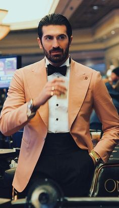 Men's Formal Wear 101 - Style Tips You Shouldn't Miss Formal Men Outfit, Men Formal, Formal Wear, Creative Black Tie, Latest Beard Styles, Dinner Wear, Smoking, Mens Fashion Blog, Daily Fashion
