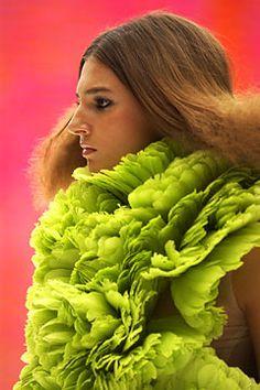 Vibrant green ruffled neck adornment