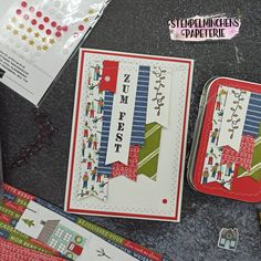 Coming Home - Adventsstädtchen - Festliche Ecken - Stanze nach Wahl Fähnchen - Stampin' Up! Stampin Up, Advent, Paper Mill, Tin Lunch Boxes, Die Cutting, Decorating, Weihnachten, Basteln, Blood Orange