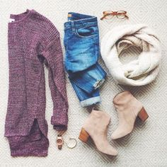 LivvyLand / sweater weather / fall outfit inspo - Street Fashion, Casual Style, Latest Fashion Trends - Street Style and Casual Fashion Trends Mode Outfits, Casual Outfits, Fashion Outfits, Womens Fashion, Petite Fashion, Jeans Fashion, Curvy Fashion, Style Blog, Mode Style