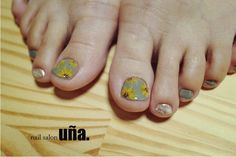 sunflower nail 福岡のネイルサロンウーニャ nail salon uña. #nail#nailsalonuna#nailart#sunflower#ひまわり