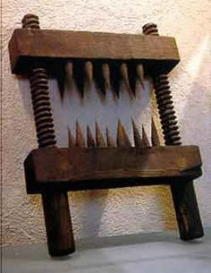 The Knee Splitter http://www.thefinertimes.com/Ancient-History/middle-ages-torture.html 20/02/2015