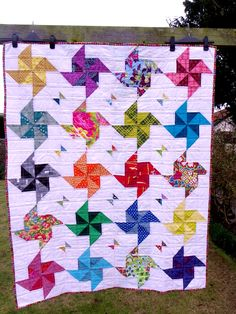 cheery : Pinwheels + Butterflies - lovely HST quilt, includes link to an earlier tutorial/pattern (handmade, by Little Island Quilting)