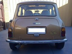 Nugget Gold 1275 LS asking 6800 ebay May 2013. ID: Chassis: XNFAD187103937, E: 12H902UH000659