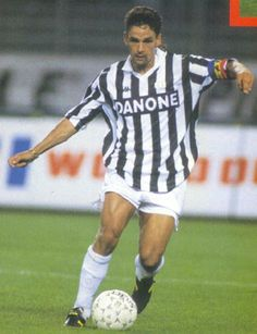 a4bab2e8d Roberto Baggio (Juventus) my all time favorite player ever... World Football