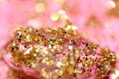 Image from http://orig07.deviantart.net/94e3/f/2011/178/6/0/gold_pink_glitter_by_beatqas-d35fno6.jpg.