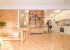 Na Espanha, um grupo de arquitetos desenvolveram um método para aproveitar um único espaço como se fosse ambientes diferentes.