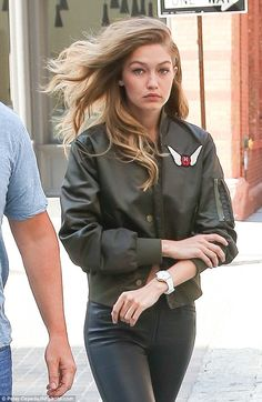 Simply stunning:Her blonde locks were teased and worn down as she sported natural, compli...